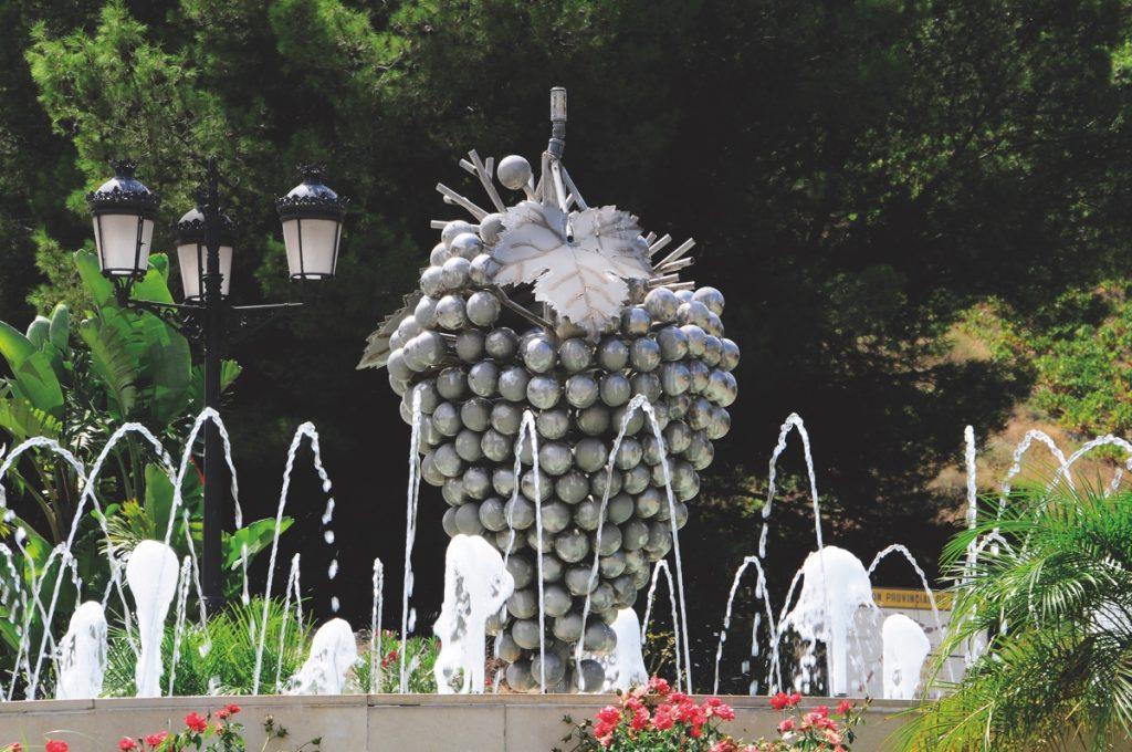 Almáchar monumento uva moscatel