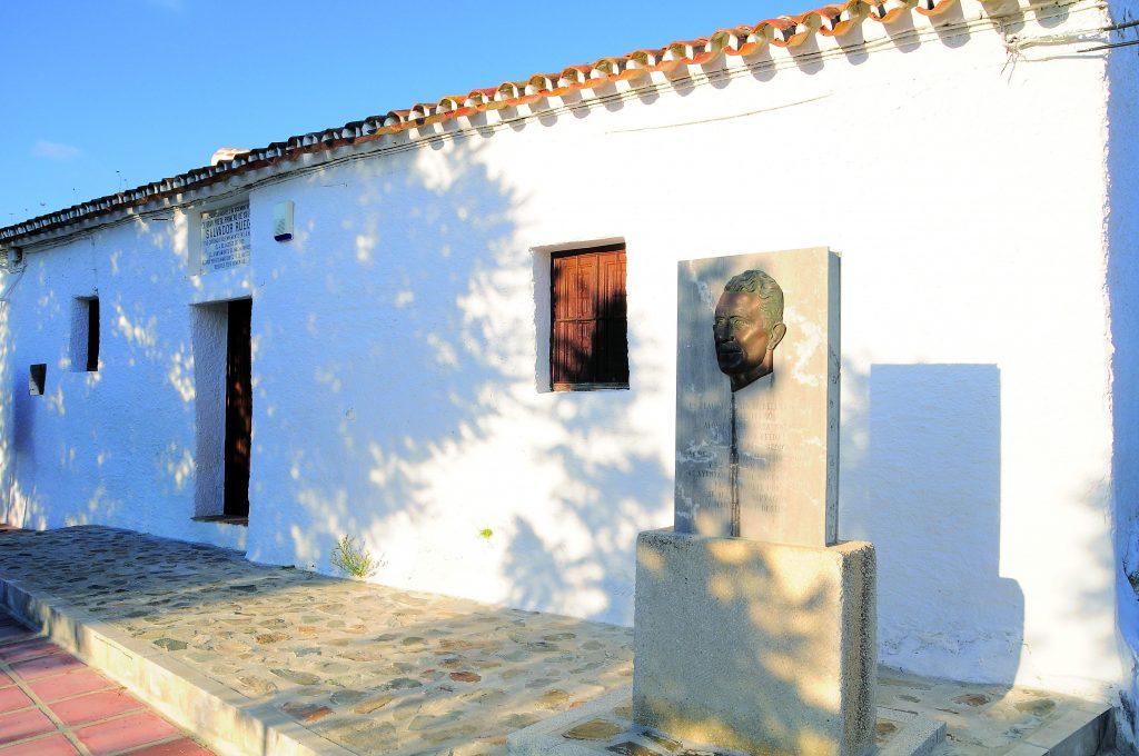 Casa natal del poeta Salvador Rueda-Benaque (Macharaviaya)