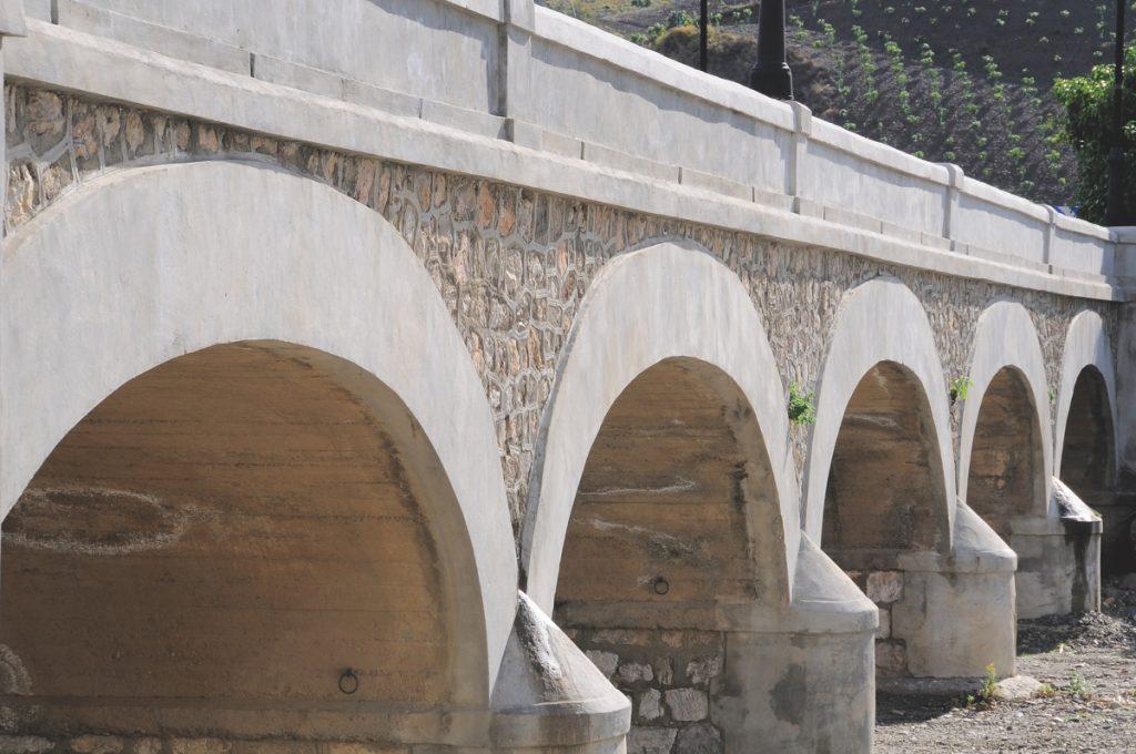 Puente Diez Ojos