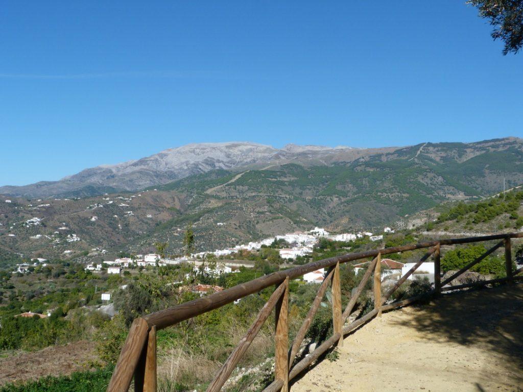 Vista de Sierra Tejeda entre Cómpeta y Canillas de Albaida